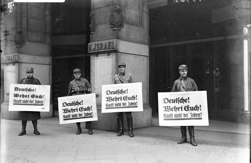 Berlin, Boykott-Posten vor jüdischem Warenhaus